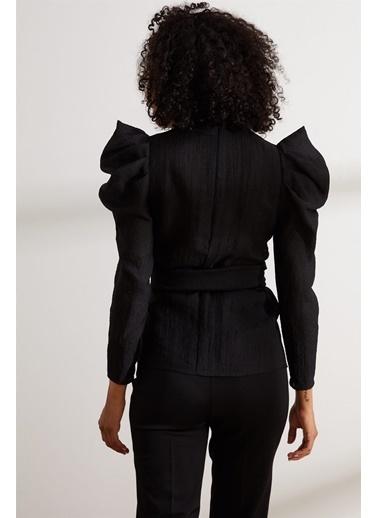 Setre Siyah Dik Yaka Kuşaklı Truvakar Kol Bluz Siyah